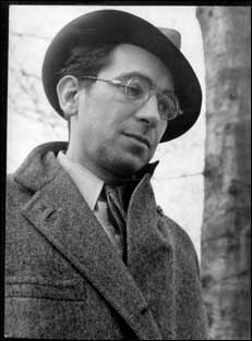 a biography of kenneth fearing a poet Born in oak park, il, kenneth fearing was the son of attorney henry lester fearing and journalist olive flexner his mother walked out on the marriage, in favor of.