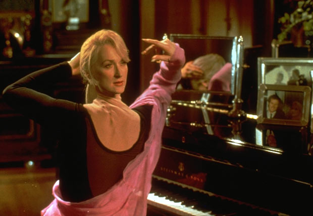 death becomes her - photo #18