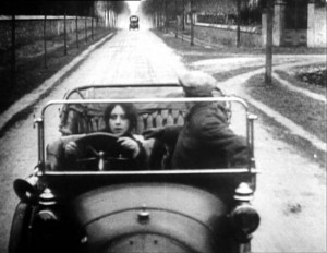les vampires speeding car