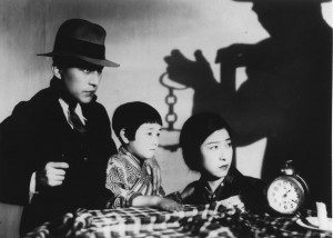 that-nights-wife-1930-001-gunman-with-wife-and-daghter