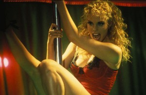 Elizabeth-Berkley-Showgirls-11
