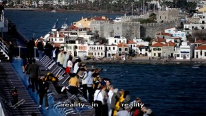 Film-Socialisme-city-from-ship