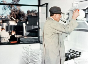 mon-oncle-hulot-in-kitchen