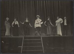 Opening_night_-_Erich_von_Stroheim_-_film_Foolish_Wives_-_1922_-_Universal_-_EYE_FOT69470